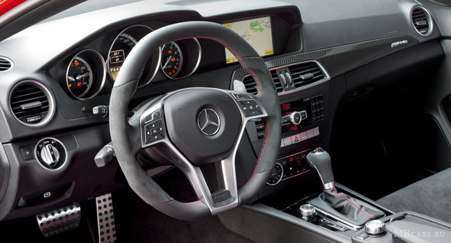 ѕриборна¤ панель Mercedes-Benz C63 AMG Coupe Black Series C204 2011